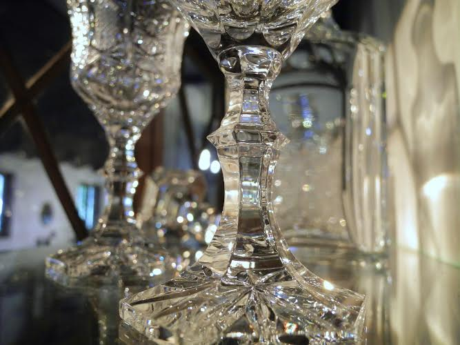 クリスタルガラスのカットと光