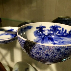 微塵唐草の茶碗